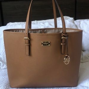 AUTHENTIC Michael Kors Jet Setter Tote